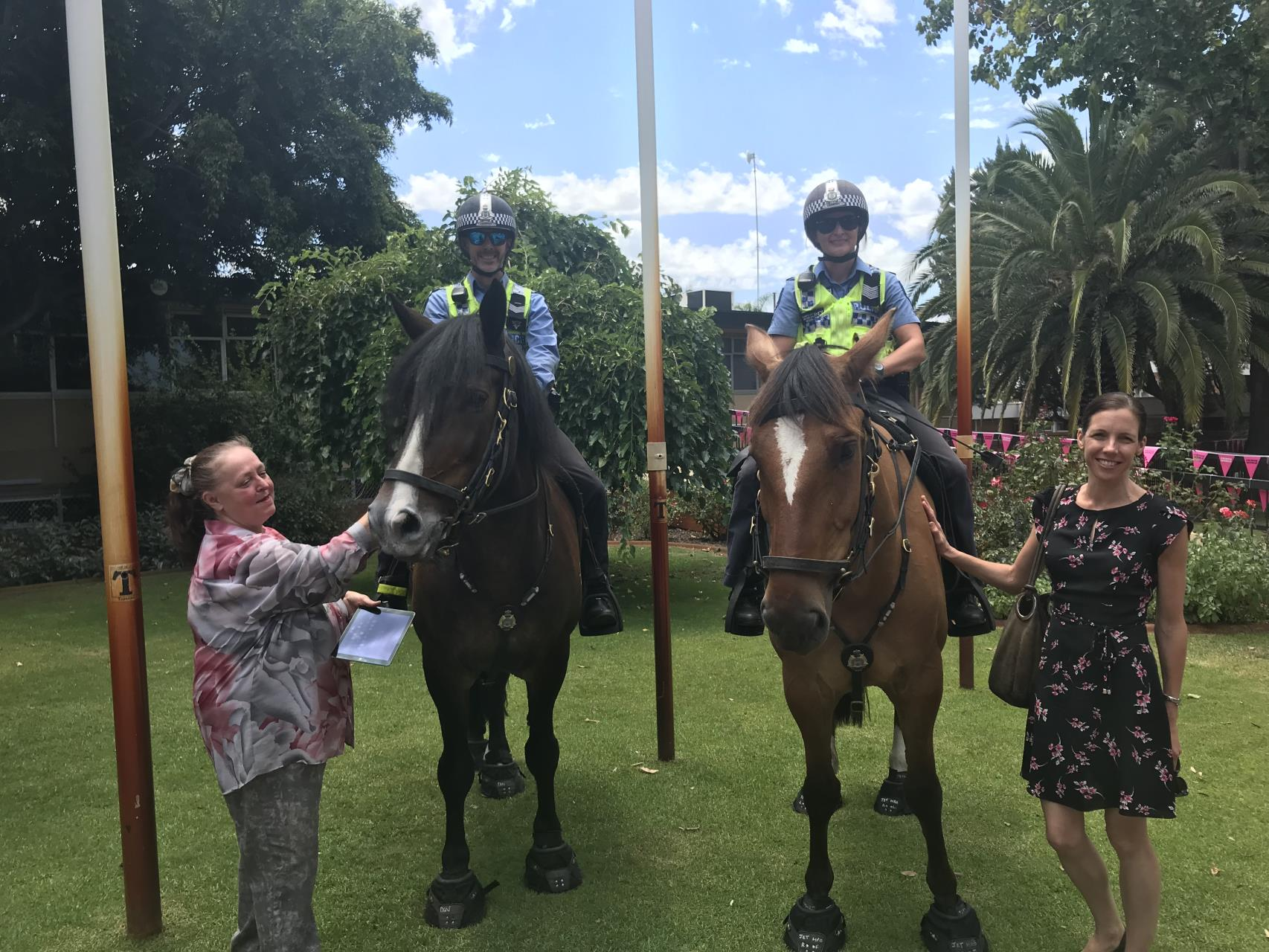 Old Perth Road welcomes Mounted Police